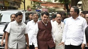 Maharashtra chief minister Devendra Fadnavis and BJP leaders arrive for the meeting at the BJP office in Mumbai on Thursday.(KUNAL PATIL/HT PHOTO)