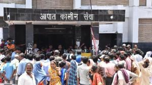 Patients waiting out side Emergency during doctors strike at NMCH in Patna on Wednesday.(Santosh/HT Photo)