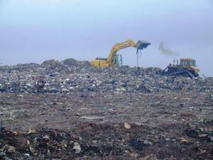 Mumbai generates 9,700 tonnes of waste daily.(HT file photo)