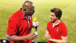 Shah Rukh Khan being interviewed by Trinidadian cricketer and commentator Ian Bishop at Park Oval, Port of Spain in Trinidad on Saturday. (Twitter)