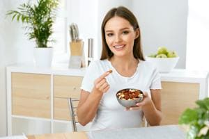 Here's how almonds help control cholesterol.(Shutterstock)