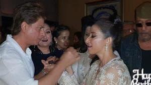 Shah Rukh Khan and Manisha Koirala at the latter's birthday bash in Mumbai.(Manav Manglani)