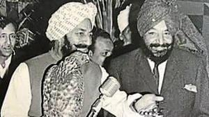 Late Kanwar MS Bedi with a goshawk and (right) his brother, late Justice Tikka Jagjit S Bedi, at a sangeet ceremony in Chandigarh, 1972.(CHADHA FINE ART STUDIO)