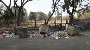 A garbage bin at Jogeshwari in Mumbai.(HT FILE)