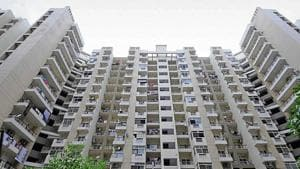 Official figures say there are over one lakh people living in nearly 200 high-rises in Gautam Budh Nagar district.(Sunil Ghosh /ht photo)