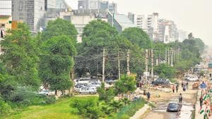 Residents witnessed long power outages, after heavy rains lashed the city early Tuesday morning. The power supply remained erratic throughout the day with cases of heavy fluctuations, low voltage and tripping being reported in many areas.(Yogesh Kumar/HT PHOTO)