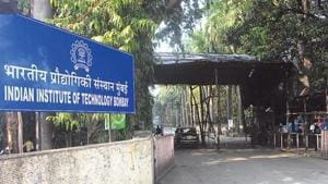 Of the 31,988 students who qualified for admission to IITs/ NITs/IIITs, among other institutes,parents of 796 students were illiterate(HT Photo)