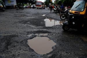 The Sion -Panvel highway has become a problem for the people during monsoon.(HT PHOTO)