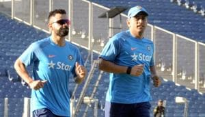 Cricketers Virat Kohli and MS Dhoni are considered the fastest runners between the wickets.(HT Photos)