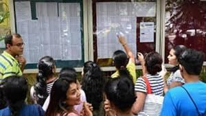 Colleges have decided to conduct extra classes to ensure that the newly-joined students do not miss out on the lectures.(HT FILE)