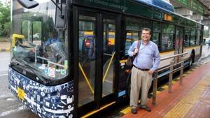 Transport expert Dario Hidalgo takes the Gurugarm city bus service ride from Huda City Centre metro station to Subhash Chowk on Tuesday.(Parveen Kumar/ HT Photo)