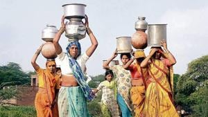 An NSSO survey shows that in rural areas, the average trip to the water source takes 20 minutes and there is a 15minute waiting time and it takes several trips to meet the water needs.(PTI File Photo)