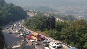 Many are expected to leave for home through the Pune Expressway during the Ganeshotsav festivities. (HT Photo)