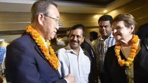 Former Norwegian prime minister Gro Harlem Brundtland , United Nations secretary general Ban Ki-Moon and Delhi chief minister Arvind Kejriwal visit a mohalla clinic at Paschim Vihar in New Delhi on Friday.(Sanchit Khanna/HT PHOTO)