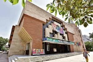 Payal Cinema in Sector 14, which is one of the two single screen theatres presently running in the city.(Sanjeev Berma/HT photo)