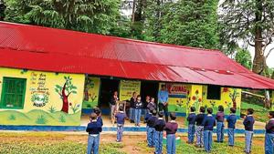 Seeing children shiver, deputy education officer, Geetika Joshi decided to renovate the entire school building.(HT photo)