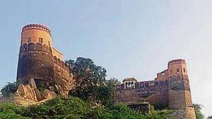 Madhogarh Fort in Mahendergarh.(HT Photo)