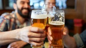Alcohol can cause of buildup of plaque in the arteries.(Shutterstock)