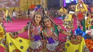 Garba is popular among the younger generation, not only in India, but all over the world, mostly where Indian communities live.(Satyabrata Tripathy/HT)