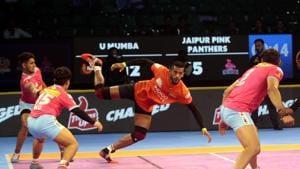 U Mumba's Siddharth Desai in action against Jaipur Pink Panthers.(PKL Image)