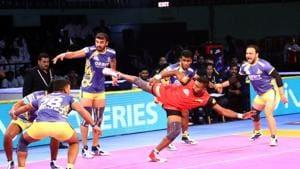 Kashiling Adake of Bengaluru Bulls in action against Tamil Thalaivas.(PKL Image)