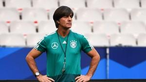 Germany's coach Joachim Loew looks at his players during a training session at the Stade de France stadium in Saint-Denis.(AFP)
