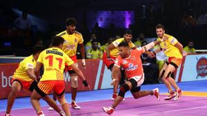 This was Gujrat Fortunegiants' first win in this season's Pro Kabaddi League.(Pro Kabaddi)