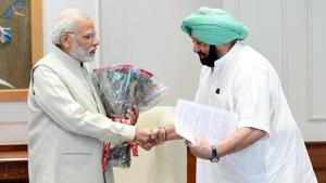 Capt Amarinder met Narendra Modi in Delhi on Thursday to press for compensation to farmers in lieu of stubble burning.(ANI)
