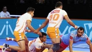 Puneri Paltan are now top of Zone A table with 20 points from six matches.(Pro Kabaddi)