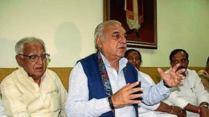 Former chief minister Bhupinder Singh Hooda addressing a press conference in Rohtak on Friday.(HT Photo)