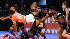 Puneri paltan have extended their lead at the top of Pro kabaddi League Zone A.(Pro Kabaddi)