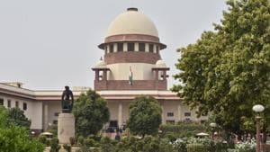 The Supreme Court on October 23, 2018, ordered the Rajasthan government to stop illegal mining in a 115.34-hectare area in Aravalli hills within 48 hours after several hills had been razed because of over exploitation(Sonu Mehta/HT PHOTO)