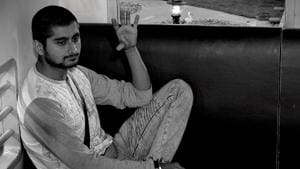Deepak Thakur won the captaincy task in Bigg Boss after Megha Dhade decided to give up.(Colors)