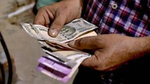 For the first time since October 1, the value of the Rupee went below 73 against US dollar on November 2.(PTI)