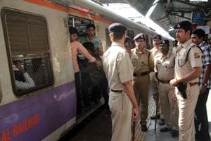 Police personnel will be able to respond faster with the Indian Railyway helpline's GPS upgrade(HT Photo)