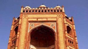 Buland Darwaza was built after Akbar's successful conquest of Gujarat.