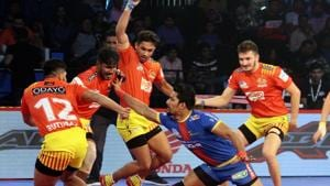 Catch all the action from Pro Kabaddi League match between Gujarat Fortunegiants and UP Yoddha.(Pro Kabaddi)