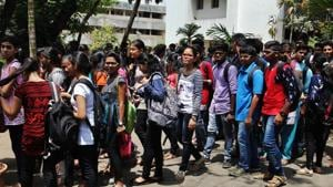 Medical and dental courses aspirants belonging to the open category in Maharashtra are unhappy with the 16% reservation granted to the Maratha community as it will now leave only 15-18% seats for them in these courses.(HT File / Representaive Photo)