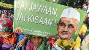 Participating farmers in the Kisan Mukti March, in New Delhi, Friday, Nov. 30, 2018. Farmers from 24 states have joined the protest to press for their demands, including debt relief and remunerative prices for their produce.(PTI)
