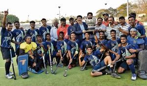 In 60 minutes, Steel Authority of India Limited got six penalty corners which boosted the confidence of players leading them to lift the 115th Aga Khan Cup, defeating Army Boys, Bihar at the Major Dhyan Chand hockey stadium in Pimpri on Sunday.(HT/PHOTO)