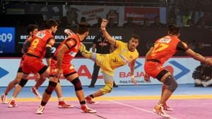 Bengaluru Bulls notched a thumping 44-28 victory over Telugu Titans in the southern derby of the Pro Kabaddi League.(Pro Kabaddi League)