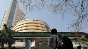 Breaking its five-day winning streak, the benchmark BSE Sensex fell 141 points in early trade Tuesday, as banking, IT, realty and FMCG stocks retreated, tracking sell-off in global market.(Reuters)