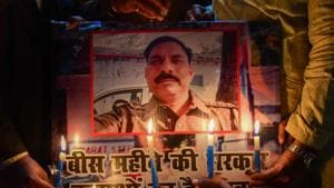The family of inspector Subodh Kumar Singh, who was killed in Bulandshahr violence on December 3, has alleged that there was political pressure in the case due to which the arrest of the three main accused was being delayed.(PTI)