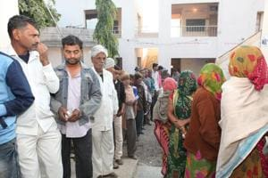 Voting has begun for by-polls to one Assembly seat each in Gujarat and Jharkhand(HT Photo)