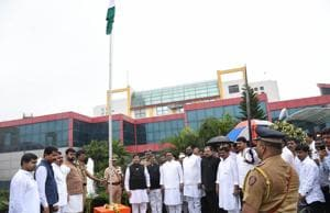 Guardian Minister Girish Bapat iduring the inauguration ceremony of the Pimpri-Chinchwad police commissionerate in August this year.(HT/PHOTO)