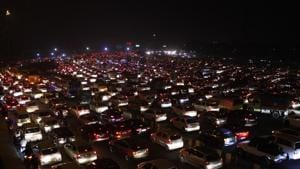 The Delhi government on Monday ordered withdrawal of last week's order steeply hiking the one-time mandatory parking charge in the city (File Photo)(HT PHOTO)