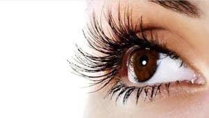 Dry, itchy eyes are a common problem in the winter due to low humidity.(Shutterstock)