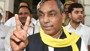 File photo of Om Prakash Rajbhar. Less than a week after NDA ally Upendra Kushwaha jumped ships and joined the Congress-led Grand Alliance in Bihar, the BJP's partners in the NDA Apna Dal (Sonelal) and the Om Prakash Rajbhar-led Suheldev Bharatiya Samaj Party (SBSP) have stepped up the pressure on the party.(PTI)