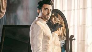 Fawad Khan in an ivory kurta with gold zardozi embroidery for SFK Bridals(SFKBridals/Instagram)