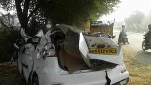 Ten people of a family were killed when their SUV was crushed between two trucks in Gujarat's Kutch district on Sunday (Representative Photo)(HT Photo)
